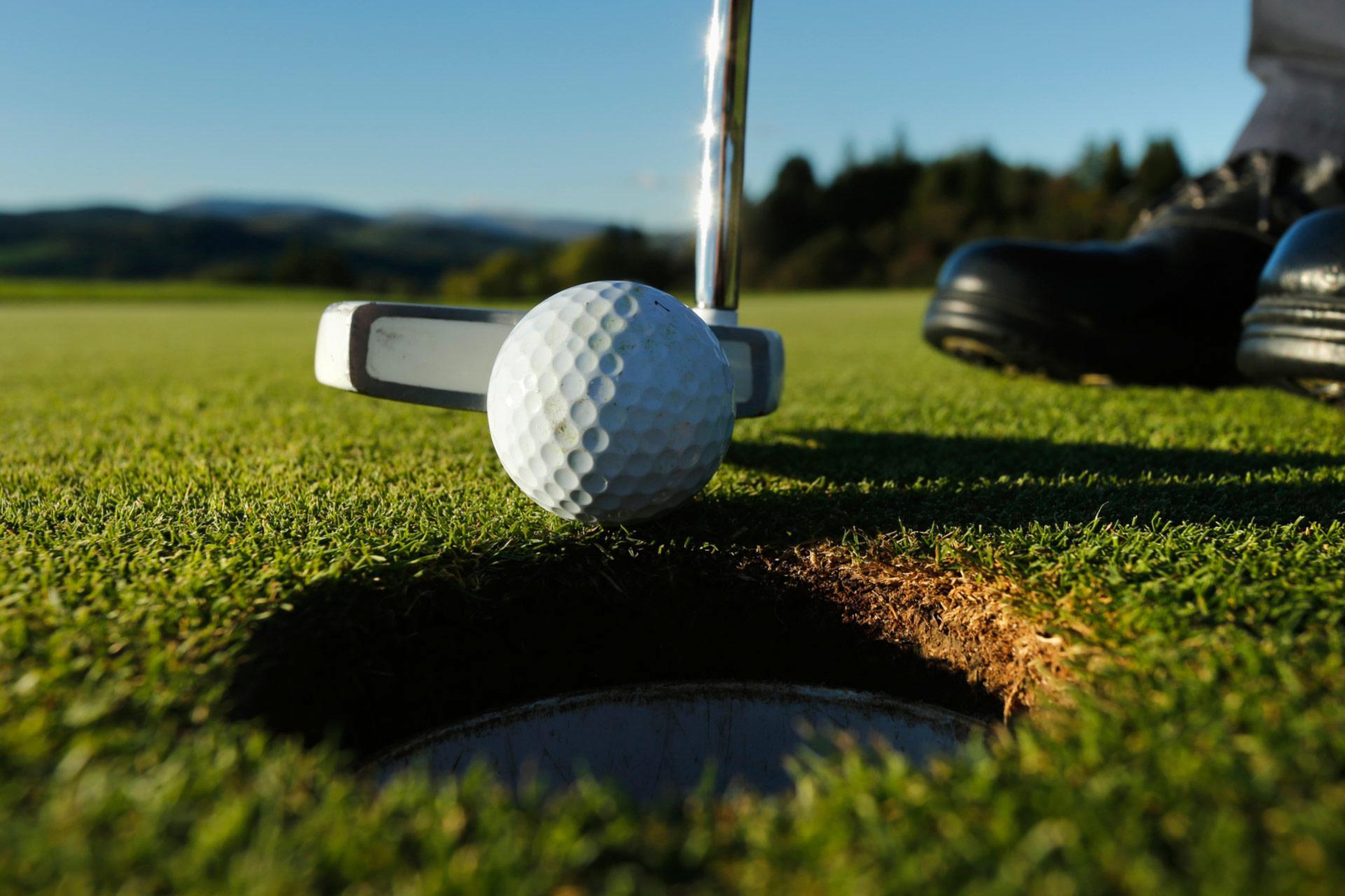 De-coding Golf